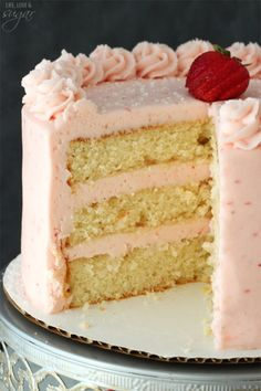 I want this for my next birthday cake! This Strawberry Moscato Layer Cake is made with layers of moscato cake and strawberry buttercream. It's moist and super fun way to drink your wine - and eat it too. Strawberry Layer Cakes, Strawberry Buttercream, Strawberry Desserts, Buttercream Frosting, Strawberry Moscato, Strawberry Puree, Dessert Crepes, Smooth Cake, Layer Cake Recipes
