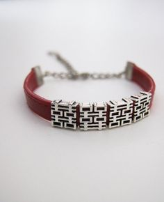FREE  Shipping   Bracelet  gift for women by ArtofAccessory