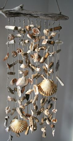 Crafts Shells Unique Sea Shell Craft DIY Ideas You Will Love Unique Sea Shell Craft DIY Ideas You Will approach to renovate your house without a big expense is to update the flooring. Seashell Wind Chimes, Seashell Art, Seashell Crafts, Beach Crafts, Home Crafts, Diy And Crafts, Arts And Crafts, Nature Crafts, Seashell Mobile