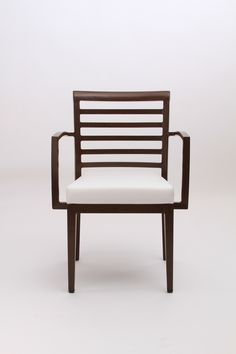 Woodlook chairs from Sandler Seating: the look of wood, the durability of aluminum.