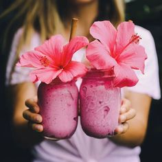 """Pucker up for some PInk ALOHA- recipe in bio! I made this recipe for my friend @mylifeaseva who is all about embracing the inner you! She's not afraid to be wild and goofy and I just love that! It's soo important to honor and love oneself the way one is which can be so hard sometimes... but just like Dr Sues says, """"Today you are You, that is truer than true. There is no one alive who is Youer than You. Gotta believe this is special☀️ ALSO, she's doing a bit of a 'simplifying life deto..."""