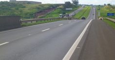 Trecho entre as rodovias SP-310 e BR-364, que ligam São Paulo e Limeira, no estado de São Paulo, Brasil, foi avaliado como a melhor estrada do país em pesquisa da CNT (Confederação Nacional dos Transportes) em 2014.  Fotografia: Divulgação/Pesquisa CNT de Rodovias 2013.