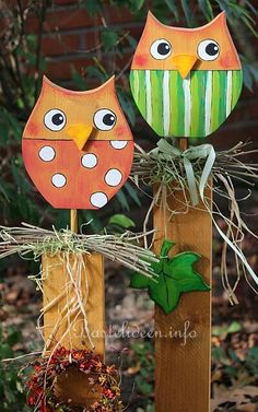 Eule Owl Crafts, Easter Crafts, Wooden Garden Ornaments, Wood Projects, Craft Projects, Halloween Owl, Wooden Bird, Wooden Animals, Wood Creations