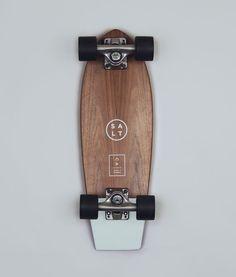 Mint Skateboard From Salt Surf More rolling A to B here Longboard Design, Skateboard Design, Skateboard Art, Skateboard Photos, Cruiser Boards, Skate Decks, Skate Ramp, Skate Surf, Snowboards
