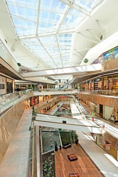 Image 8 of 37 from gallery of Buyaka & Uras X Dilekci. Photograph by Faruk Kurtuluş Shopping Mall Architecture, Shopping Mall Interior, Retail Architecture, Shopping Malls, Commercial Architecture, Architecture Design, Atrium Design, Facade Design, Mall Design