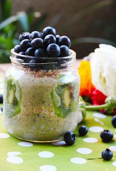 Es muy fácil hacer yogurt con sabores 100% naturales en tu casa. Lo único que tienes que hacer es comprar un yogurt natural, agregarle la fruta que quieras y licuarlo. Así te aseguras de que tenga …