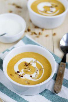 Zoete aardappelsoep met kokosmelk - Brenda Kookt! Multicooker, Food Hacks, Cheeseburger Chowder, Clean Eating, Good Food, Veggies, Low Carb, Healthy Recipes, Healthy Food