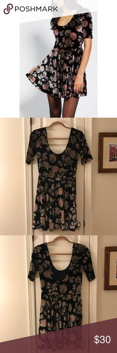 "Urban Outfitters Velvet Floral Dress Size M  Absolutely amazing!!! Urban Outfitters ""Kimchi Blue"" Velvet Floral  Dress. Size M. Scoop neck and elbow sleeve- this is gorgeous!!Excellent pre-owned condition. Worn by Scarlett (Clare Bowen) on ""Nashville"" Season 2 Ep16!!! 90/10 Poly Spandex Urban Outfitters Dresses Midi"