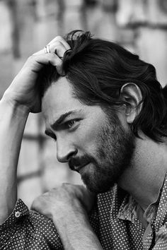 Michiel Huisman for Mr Porter Michael Huisman, Mr. Porter, Pretty People, Beautiful People, Foto Picture, Looks Black, Hommes Sexy, Moustaches, Photo Retouching
