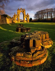 Ruines du Prieuré de Guisborough - Angleterre // Guisborough Priory, North Yorkshire - England Version Voyages, www.versionvoyages.fr
