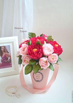 Paper Flowers Craft, Crepe Paper Flowers, Felt Flowers, Flower Crafts, Diy Flowers, Candy Bouquet Diy, Diy Bouquet, Chocolate Flowers Bouquet, Sweet Trees