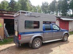 Дома на колесах Small Truck Camper, Slide In Camper, Truck Bed Camper, Build A Camper, Pickup Camper, Small Trucks, Mini Camper, Truck Camping, Diy Camping