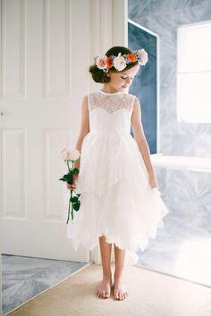David Austin roses with tulle Doe Eyes, David Austin Roses, Cellphone Wallpaper, Tie Knots, Flower Crown, Family Photographer, Tulle, Flower Girl Dresses, Wedding Dresses