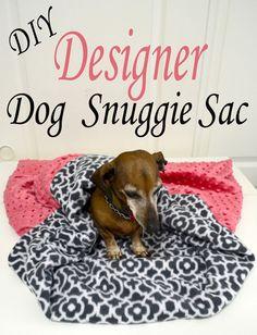 DIY Designer Dog Snuggie Sac - Pink Cake Plate easy tutorial to make this designer look burrow sac for your little Doxie! Yorkies, Diy Dog Blankets, Snuggle Dog, Diy Dog Bed, Dog Beds, Cute Little Dogs, Dachshund Love, Daschund, Dog Pattern