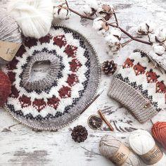 """Knitting Daily on Instagram: """"🦊L i t t l e f o x e s e v e r y w h e r e🦊 - 📷 Share Via: @heklarije_i_to ========================================= ✅ Turn Post…"""" Knitting Daily, Fox Sweater, Sweater Knitting Patterns, Crochet Earrings, Sweaters, Friends, Instagram, Amigos, Sweater"""