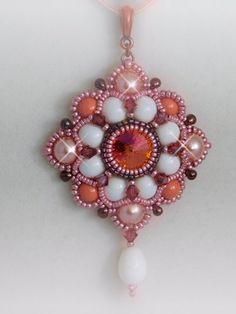 Meghan Pendant Tutorial  This is a fabulous pendant that looks like it stepped out of the pages of history! The listing in for the tutorial to make