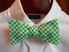 Green Houndstooth Mens Bow Tie by TrulySouthernTies on Etsy, $25.00