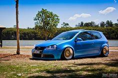 R32 VW Golf Volkswagen R32, Volkswagen New Beetle, Volkswagen Models, Volkswagen Group, My Dream Car, Dream Cars, Car Goals, Vw Cars, Automotive Photography