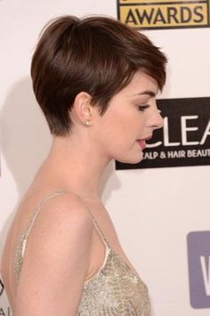 anne hathaway, pixie cut back view - Penelusuran Google