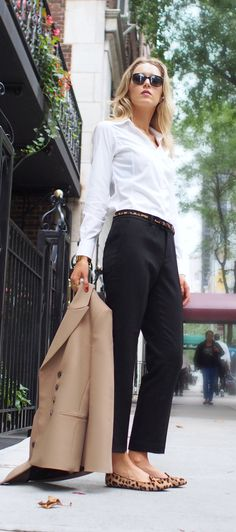 I love this look. My go to, basics with the simple fun belt and shoe. Like the blazer too,