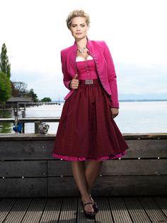 Dirndl Ina in Pink #angermaier #trachtenangermaier #dirndl #tracht