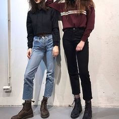 Find images and videos about girl, fashion and style on We Heart It - the app to get lost in what you love. Looks Cool, Looks Style, My Style, Dr. Martens, Cute Outfits With Jeans, Outfit Goals, Grunge Fashion, Fashion Outfits, Womens Fashion