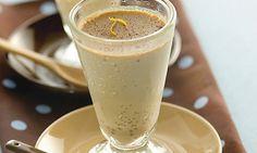 Ingredientes1 1/2 xícara (chá) de leite semidesnatado 1 colher (chá) de essência de baunilha 2 colheres (chá) de café solúvel em pó 3 colheres (sopa) de adoçante em pó culinário 2 ovos batidos Cane…