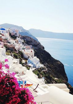 Santorini. (I know I've posted a million Greece pictures but I just can't get over how beautiful it is!)