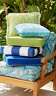 Whether they are worn and faded or you simply want a brand-new look, replacing the cushions on your outdoor furniture is the easiest way to transform your outdoor space. Click for our tips on the blog! | Frontgate Blog