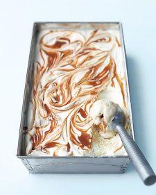 "See the ""Banana-Caramel Ice Cream"" in our Homemade Ice Cream, Sorbet, and Gelato Recipes gallery Frozen Desserts, Frozen Treats, Just Desserts, Dessert Recipes, Dessert Healthy, Summer Desserts, Recipes Dinner, Frozen Custard, Frozen Yogurt"