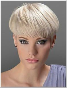 How to style the Pixie cut? Despite what we think of short cuts , it is possible to play with his hair and to style his Pixie cut as he pleases. Short Wedge Haircut, Short Wedge Hairstyles, Oval Face Hairstyles, Haircuts For Fine Hair, Cute Hairstyles For Short Hair, My Hairstyle, Girl Short Hair, Pixie Hairstyles, Short Hair Cuts