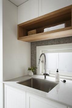 Dont allow the mess of things in your kitchen. Beginning organizing nicely, easily and also just. Obtain straightforward Kitchen Rack Suggestions 25 Ideas for Organizing Open Kitchen Area Racks. Laundry Room Design, Laundry In Bathroom, White Bathroom, Kitchen Design, Kitchen Decor, Laundry Shelves, Kitchen Wall Shelves, Kitchen Rack, Timber Kitchen