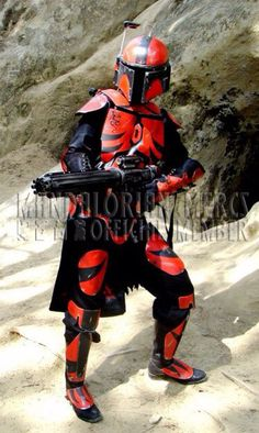 Mandalorian Star Wars Love, Star Wars Baby, Star War 3, Star Wars Fett, Star Wars Rpg, Mandolorian Armor, Mandalorian Costume, Stealth Suit, Star Wars Bounty Hunter