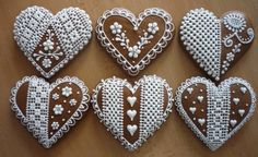 "Heart Cookies and Other Goodies: Honey Cookie-Hearts Meduolis (""Kaziuko Širde. Honey Cookies, Lace Cookies, Heart Cookies, Cut Out Cookies, Cupcake Cookies, Sugar Cookies, Gingerbread Decorations, Christmas Gingerbread, Gingerbread Cookies"