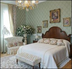 Victorian~Cottage~Bedroom~~~I Love this LoveSeat...