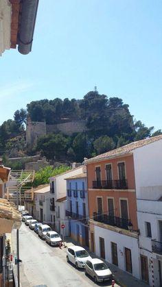 Vistas al castillo desde baix la mar