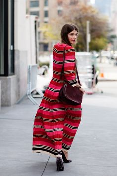 """ street style by the sartorialist. Look Fashion, Fashion Models, Womens Fashion, Fashion Design, Fashion Shoes, Girl Fashion, The Sartorialist, Winter Mode, Milano Fashion Week"