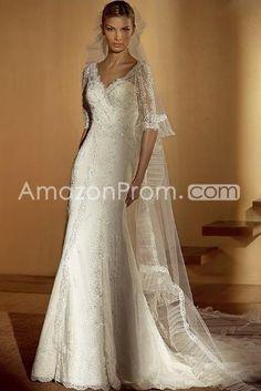 Charming Sheath/Column V-Neck Half-Sleeve Chapel Wedding Dresses