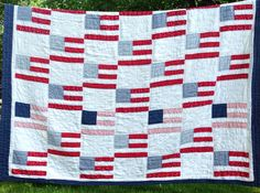 Vintage flag quilt!  I could replicate using Little Quilts Patriotic book