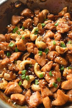Try This Ultimate Cashew Chicken Stir Fry Sort out dinner/lunch with this amazing Cashew Chicken Stir Fry! So easy to put together,amazing sauce mix with roasted cashews,makes this easy chicken stir-fry the BEST totally under 30 mins! Chicken Cashew Stir Fry, Easy Chicken Stir Fry, Healthy Chicken, Skillet Chicken, Chicken Stir Fry With Noodles, Best Chicken Recipes, Asian Recipes, Easy Recipes, Ethnic Recipes
