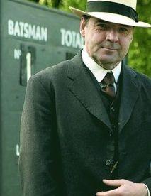 Mista Bates rockin' that Panama hat. Sigh - my grandfather wore Panama's, lovely memories.