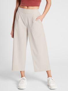 Brooklyn Wide Leg Crop Pant Wide Leg Linen Pants, Wide Leg Cropped Pants, Linen Trousers, Beige Pants, Southern Fashion, Fit Black Women, Summer Pants, Athletic Tank Tops, Legs