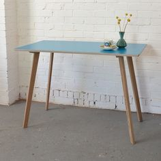 New desk for office Winter's Moon — NEW! Perky Formica Table / Desk in Teal Cafe Furniture, Vintage Furniture, Furniture Design, Furniture Ideas, Teal Desk, Formica Table, Plywood Table, Retro Desk, Desk Areas