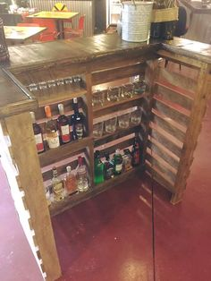 Pallet Bar - Imgur Make so that the sides can fold in and cover the alcohol and glasses.