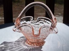 "VINTAGE HAND BLOWN GLASS PEACH COLOR ""BASKET"" BOWL WITH HANDLE #teamsellit"