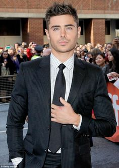 Poster boy turned Paperboy Zac Efron at tonight's Toronto premiere of his new movie The Paperboy