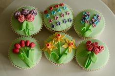 flowers cupcakes - Buscar con Google
