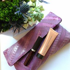 Loving how the new Shimmering Skin Perfector mini fits perfectly into a clutch (and is flight friendly too!)