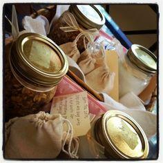 DIY gift baskets: bath salt tea bags, bubble bath, homemade soap, and an oatmeal scrub Homemade Gift Baskets, Diy Gift Baskets, Homemade Gifts, Jar Gifts, Food Gifts, Craft Gifts, Homemade Bath Salts Diy, Boyfriend Gift Basket, Creative Gifts