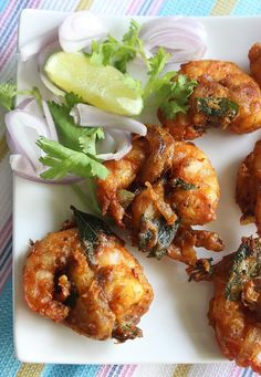 Spicy prawn pakora recipe, how to make prawn pakora (prawn fritters Fish Recipes, Seafood Recipes, Indian Food Recipes, Asian Recipes, Appetizer Recipes, Chicken Recipes, Cooking Recipes, Appetizers, King Prawn Recipes